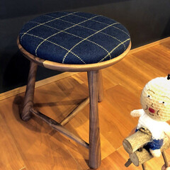 スツール/椅子 /チェア/チェック柄/福井家具/福井/... 私好みの丸みがあるスツールです。(^_-…