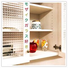 食器棚/ダイニングボード/モザイクガラス/収納/キッチン/インテリア/... 実は『カッコいい』より『かわいい~』が好…