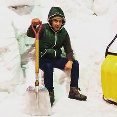 やっと終わった/ニット帽が似合わない/福井/越前市/大雪/雪/... 家具屋だけに『除雪』ときどき『雪ソファ』…