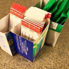 収納/絆創膏/バンドエイド/薬収納/住まい 収納場所にもよりますが、外箱を切ることで…