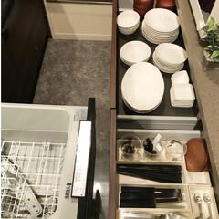 ラク家事/お皿/食洗機/カトラリー収納/キッチン収納/暮らし/... 食洗機を使っています。食器やカトラリーな…