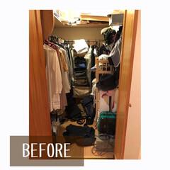 整理収納アドバイザーバービースタイル/衣類収納/畳む/掛ける収納/クローゼット/クローゼット収納/... クローゼットのお片付け作業   片側に掛…