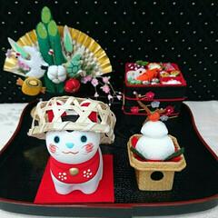 ミニチュア/おせち料理/門松/お正月飾り/鏡餅/干支の置物/... 今年の干支 犬に竹かごを被せると、漢字に…