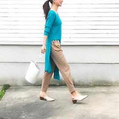 グリーン/おでかけ/ファッション 今日は気温が低めなので長袖ニットで。裾を…