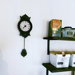 アンティーク/キッチン/振り子時計風/時計/インテリア キッチン壁のアンティーク風の振り子時計。…