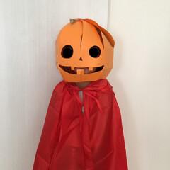 簡単ハロウィン/工作/画用紙/ジャックオランタン/ハロウィン衣装/ハロウィン仮装/... 画用紙で作るかぼちゃマスク♪ 100均の…