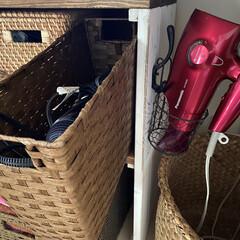 ドライヤー収納/セリア/ダイソー/ヘアアイロン収納/雑貨/暮らし/... 我が家のヘアアイロン収納。 子供も使うの…