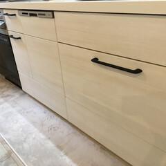アイアンバー/アイアン風/ミッチャクロン/黒板スプレー/黒板塗料/リメイク/... キッチンの取っ手をアイアン風に塗装。 詳…
