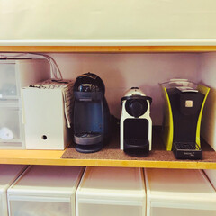 スペシャルティー/ネスプレッソ/ドルチェグスト/パントリー収納/食品庫/カフェコーナー/... キッチン横、3畳程の食品庫内のカフェコー…