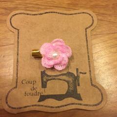 乙女/女子/かわいい/花/ハンドメイド ミシン糸で編む2センチのお花。 本を見な…(1枚目)