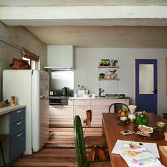 キッチン/木材/テーブル/チェア/スツール/シェルフ/... わが家の真ん中にある大きな木のテーブルは…