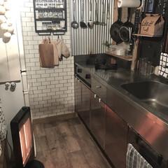 カフェ風インテリア/カフェ風キッチン/100均リメイク/調味料ラック/カーボンヒーター/山善のすきま暖房/... だんだんと朝晩は寒くなってきて、いよいよ…
