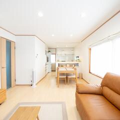 LDK/明るいLDK/広いLDK/LDKリフォーム/リビングリフォーム/ダイニング/... キッチンや床・建具などを以前よりも明るい…