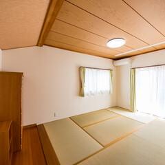 和室/リフォーム/内装/壁紙貼り替え/クロス貼り替え/室内干し/... 和室の内装を一新、掃出し窓近くの天井には…