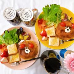 ワンプレート/おうちカフェ/おうちごはん/ふたりごはん/朝ごはん/暮らし/... 大切に冷凍してた塩じゃがパン。 モチモチ…