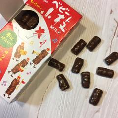 チョコボール/ベビー小枝/おやつ/チョコ/小枝/スナック菓子/... 小枝に小さいサイズが出ましたよー! 通常…
