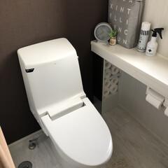 床に物を置かない/トイレ/生活の知恵/収納/掃除/雑貨/... トイレのインテリア。 床に物を置くのをや…