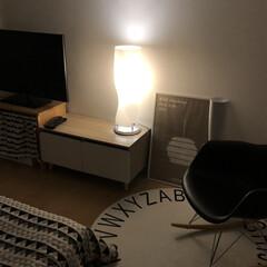 ロッキングチェア/ポスターのある部屋/アルテック/フロアライト/寝室/暮らし 今日は家にずっとこもっていました。 おか…