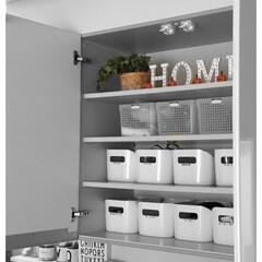 おしゃれ収納/収納アイデア/カップボード収納/収納/キッチン収納/暮らし/... 我が家のカップボードは、種類ごとに仕分け…