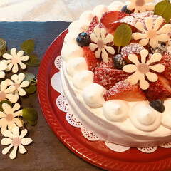 イチゴ/スイーツ/フード/ハンドメイド/ショートケーキ/チョコレートフラワー イチゴのショートケーキを作りました。フラ…