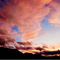 バウムクーヘン/菩薩/夕景 今日も暑かったですね。雲が多くて 怖いぐ…