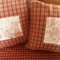 ウサギ/クッション/ハンドメイド うさぎさんの刺繍をしたクッション 作って…