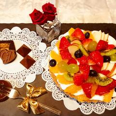 フルーツタルト/スイーツ/フード/ハンドメイド/チョコレート フルーツタルトを作ってみました。🍓🍊🍇🥝…