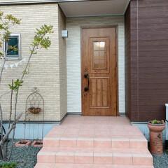 玄関まわり/LIXILドア/LIXIL/玄関ドア/玄関 我が家の玄関ドアはLIXILです♪  木…