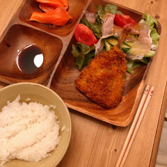 サラダ/アジフライ/晩ご飯/おうちごはん/暮らし 昨日の晩ご飯~(❁´ω`❁)  アジフラ…