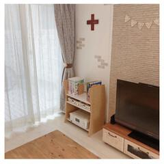 ナチュラルインテリア/リビング収納/ラック/本棚/リビング棚 リビングのテレビ横には本を収納。  子供…(1枚目)
