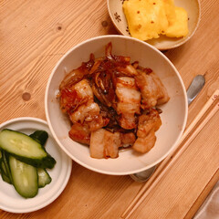 夜ごはん/豚丼/おうちごはん/住まい/暮らし 今日の晩ご飯(❁´ω`❁)  豚丼にきゅ…