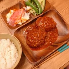 夜ごはん/ハンバーグ/煮込みハンバーグ/おうちごはん/暮らし いつかの晩ご飯(❁´ω`❁) 煮込みハン…