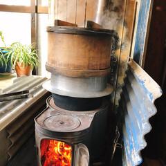 お釜/餅つき/フォロー大歓迎/冬/おうち 実家にて。。♪  お餅つきのもち米を炊い…