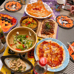 パーティー料理/ハロウィンパーティー/お料理/ハロウィン2019/フォロー大歓迎 ハロウィンのお菓子周りをしたら、近所のマ…