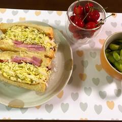 茶豆/さくらんぼ/沼さんサンド/おうちごはん 今日の夜ご飯🤗 沼さんサンド 茶豆とさく…