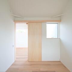 インテリア/住まい/建築/注文住宅/新築/設計/... 6帖の個室。  優しい木目を使い、扉など…