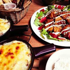 食欲の秋/おうちご飯/照り焼きチキン/チーズタップリ/ホクホク/季節/... おうちグラタン😋🍴  こんばんは(*˘︶…