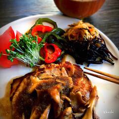 切り干し大根/ひじきの煮物/舞茸/豚ロース/益子焼/和食/... 甘酒浸けの豚ロースの舞茸和風ソース🍄