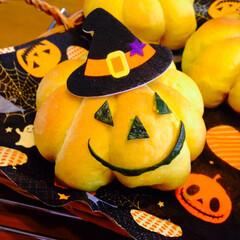 手作りパン/かぼちゃパン/ハロウィン/ハロウィンパン #かぼちゃパン🎃  毎年10月にはこのパ…
