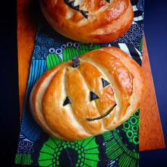 ハロウィーン/手作りパン/パン #かぼちゃクリームパン #がスタートクリ…(1枚目)
