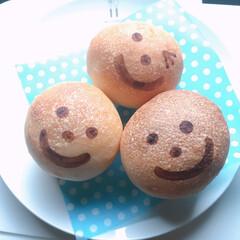 手作りパン #丸パン #焼印風お絵描き #レモン酵母…