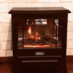 暖炉型ファンヒーター 最近、めっきり気温が下がり、寒い日が多く…