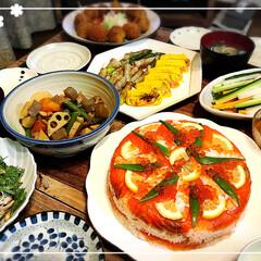 夕ごはん/スモークサーモン押し寿司/ひな祭り🎎 スモークサーモンの押し寿司を作りました。…