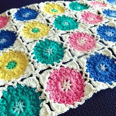 カラフル/春色/モチーフつなぎ/モチーフ/編み物/ハンドメイド 久しぶりにモチーフつなぎ編みました^^*…