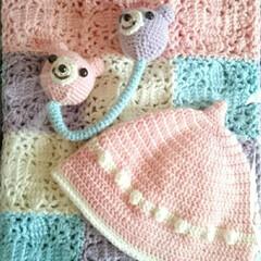 女の子用/レジン/どんぐり帽/にぎにぎ/おくるみ/出産祝い/... たまには編み物作品も♡ 9月後半に出産を…