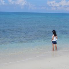 fashion/trip/旅行/family/code/宮古島 きれいすぎる海を見つめる娘ちゃん❤️海の…