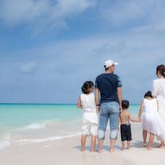 旅/旅の思いで/宮古島/沖縄/海/リンクコーデ/... 宮古島旅行での家族写真❤️💛 青い空と宮…