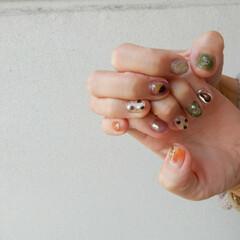 美容/nail/ハロウィン/ファッション 秋冬nail💛❤️今回は最近ヌーディーな…