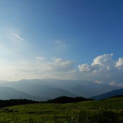 アウトドア/空/山/景色/令和の一枚/風景 朝焼けと霧が少しかかって 神秘的な景色✴…