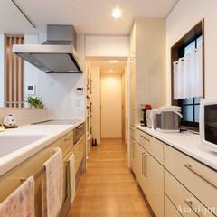 キッチン/オープンキッチン/対面キッチン/パントリー 奥まった場所にあったキッチンはリビング側…